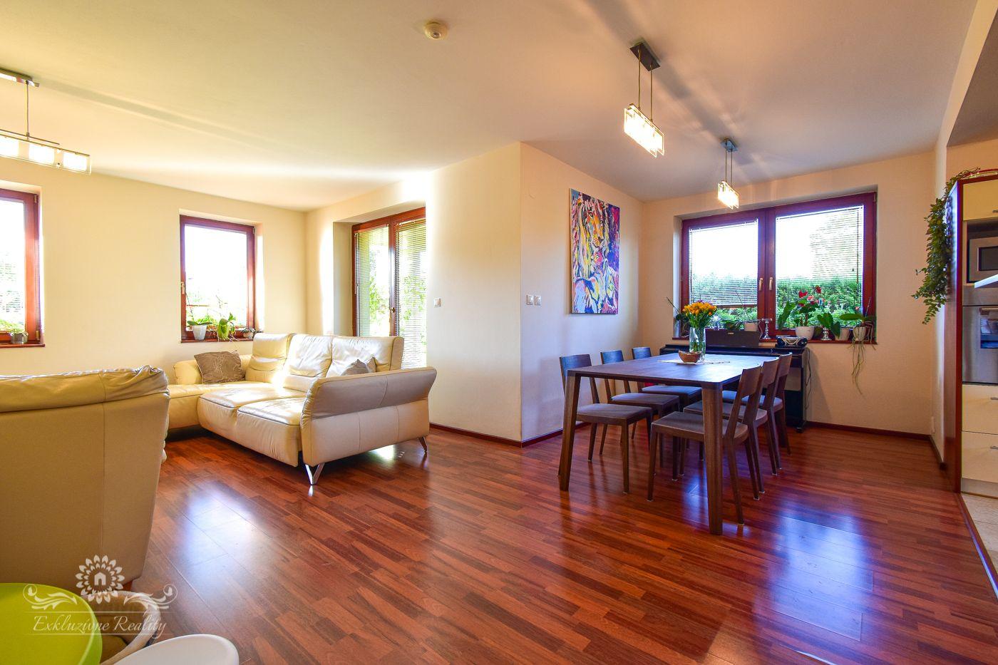 Na predaj čiastočne zariadený 5 izbový dom v obci Huncovce