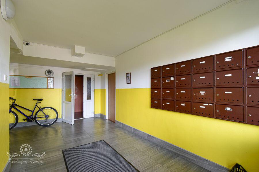 Na predaj 2 izbový byt s presklenou loggiou Poprad / Západ
